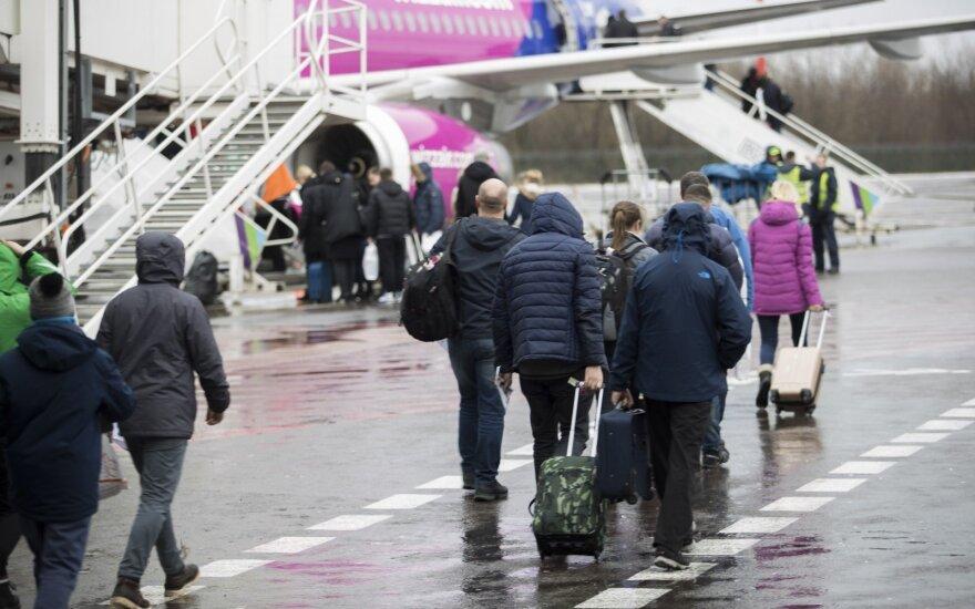 Эмиграция уменьшается, но из Литвы уезжает больше людей, чем приезжает