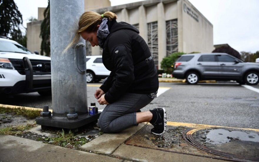 Per šaudynes Pitsburgo sinagogoje žuvo 11 žmonių
