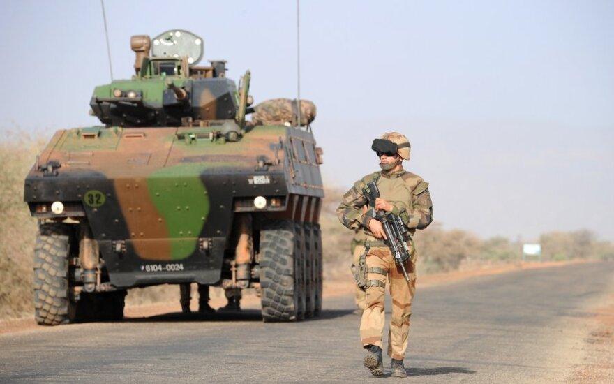 Франция разместит в Эстонии танки и БМП