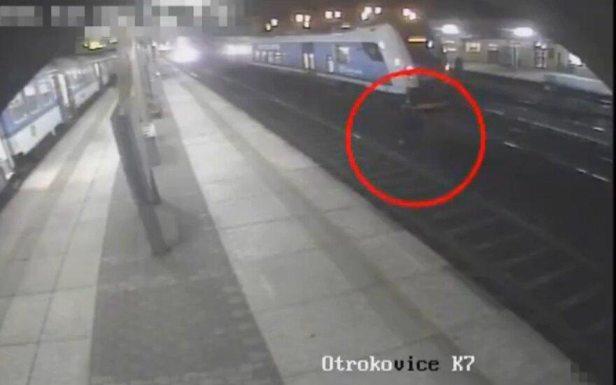 Przeżyli uderzenie pociągu