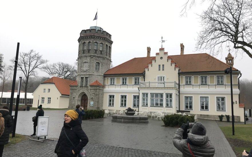 Замок-исторический музей, парк, Музее кино и его экспонаты экспонаты музея кино