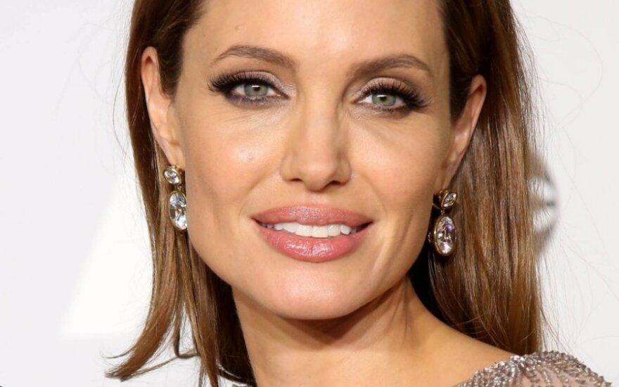 Анджелина Джоли высказалась о драке Брэда Питта с украинцем