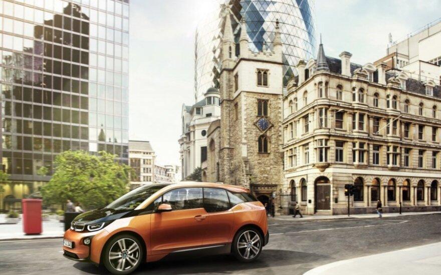 BMW официально представил свой первый серийный электрокар