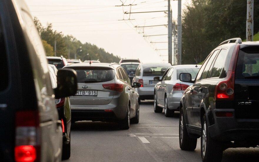 Вильнюс хочет сам решать вопрос табличек с зелеными стрелками: решение министра Шимашюс не одобряет