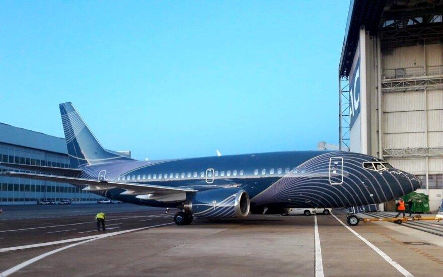Boeing 737-500 / KlasJet nuotr.