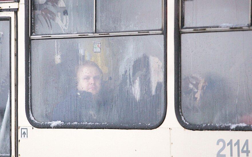 Женщина пожаловалась на холод в троллейбусе