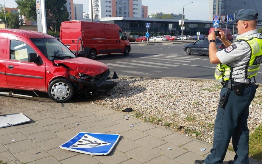 Авария в Вильнюсе: в больнице – беременная женщина, ребенок и мужчина
