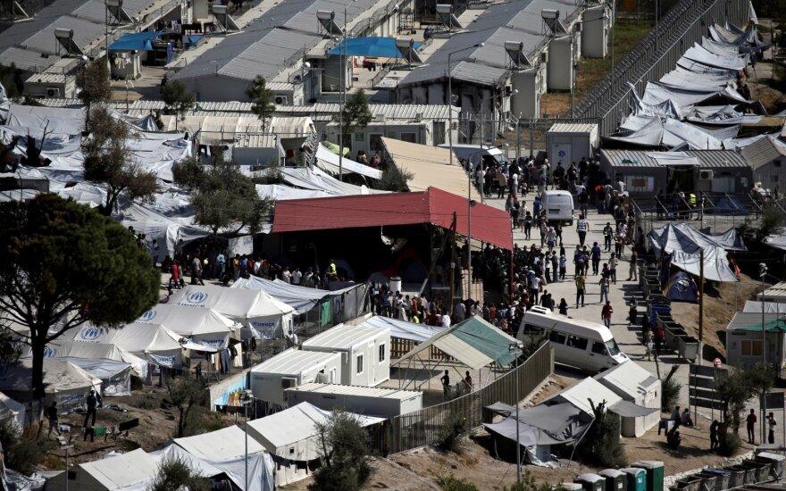 В лагере мигрантов в Греции произошли столкновения и пожар