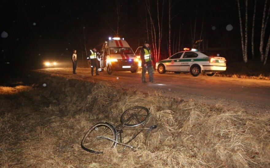 Задержан сбивший велосипедиста и выбросивший девушку из машины водитель