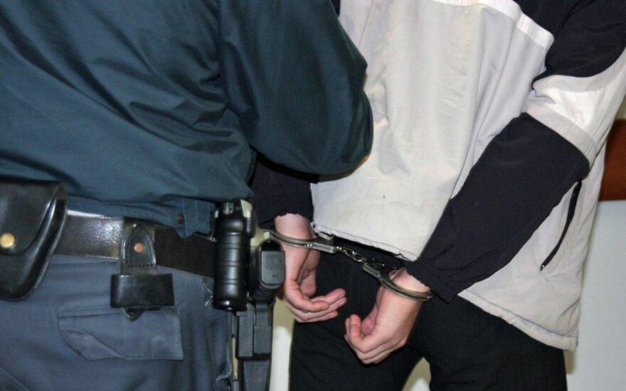 В Шальчининкском районе мужчина с заряженным ружьем пугал прохожих