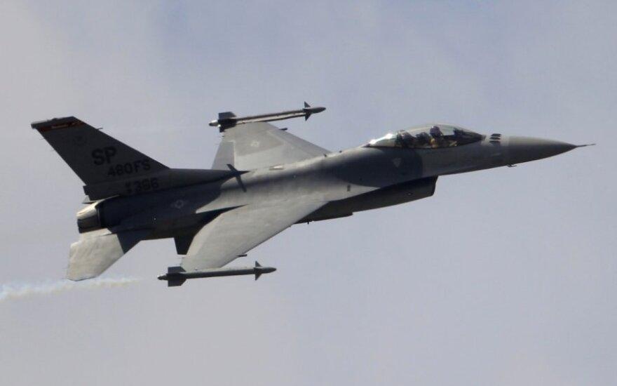 Nad Wilnem i Kownem krążą myśliwce F-16