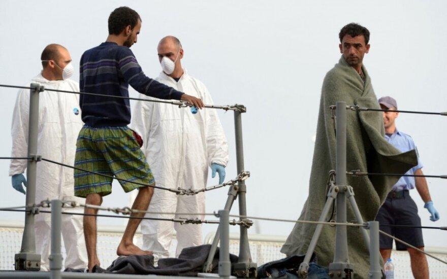 У берегов Греции затонула лодка с беженцами: погибли более 30 человек