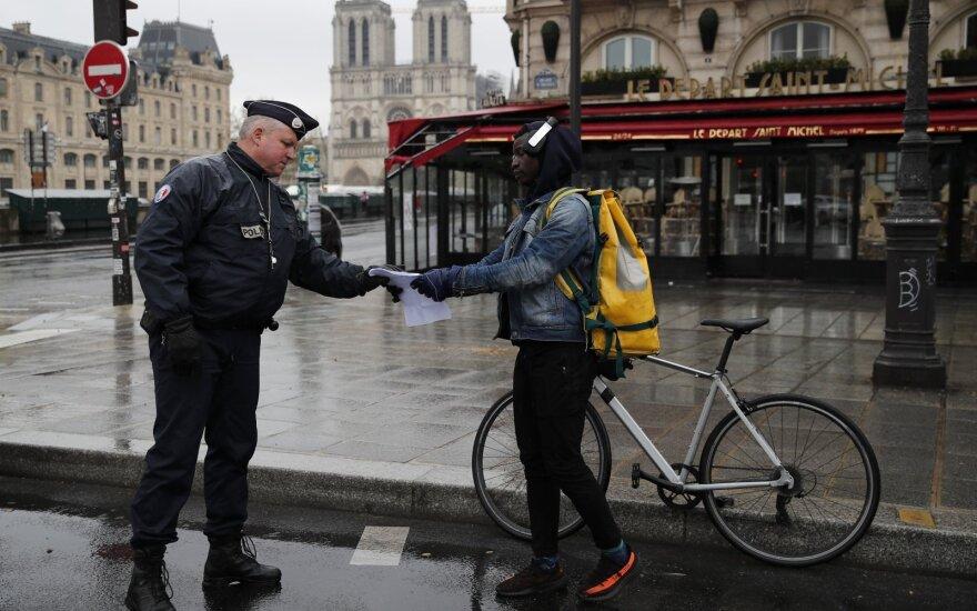 Франция продлит режим ЧС еще на 2 месяца