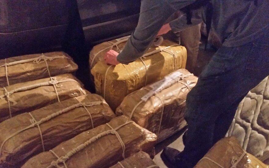 "СМИ: Аргентинский ""кокаин"" доставили в Москву на самолете главы Совбеза Патрушева"