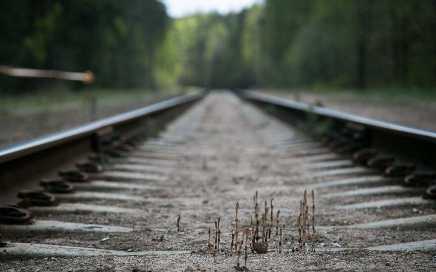 Трещина между Востоком и Западом: что ожидает латвийский транзит?