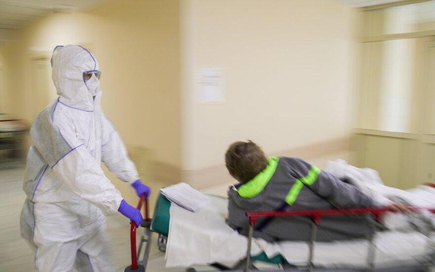 В России за сутки зарегистировано 10 028 новых случаев коронавируса