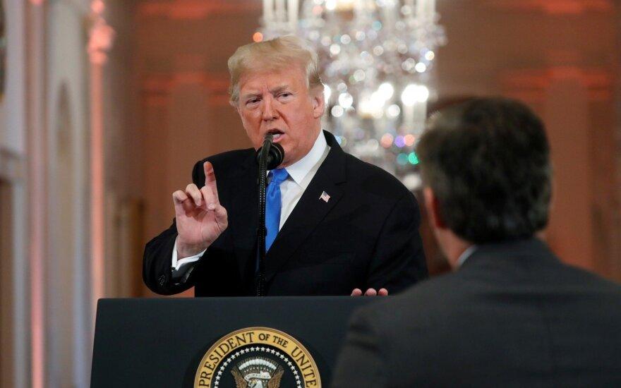 """Trumpas kritikuoja """"itin priešišką"""" žiniasklaidos darbą per rinkimų kampaniją"""
