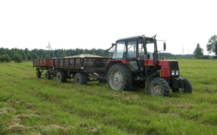 Трактор травмировал нетрезвого работника в поле