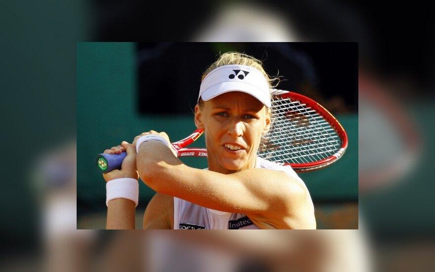 Дементьева проиграла в третьем круге