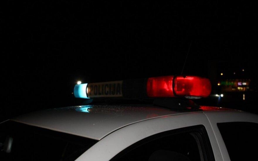 Водитель побил четыре автомобиля, сбил человека и скрылся