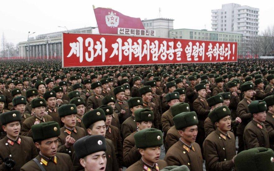 Šiaurės korėjiečiai demonstracijomis pažymi branduolinį bandymą