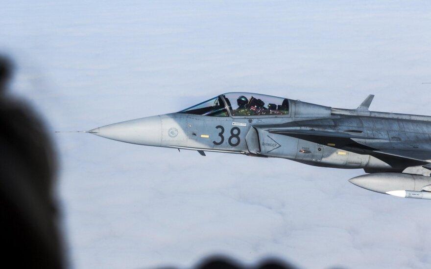 Истребители НАТО семь раз поднимались для сопровождения самолетов РФ