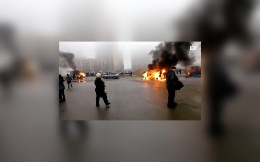 В Петербурге из автоматов обстреляли полицейский автомобиль: есть жертвы