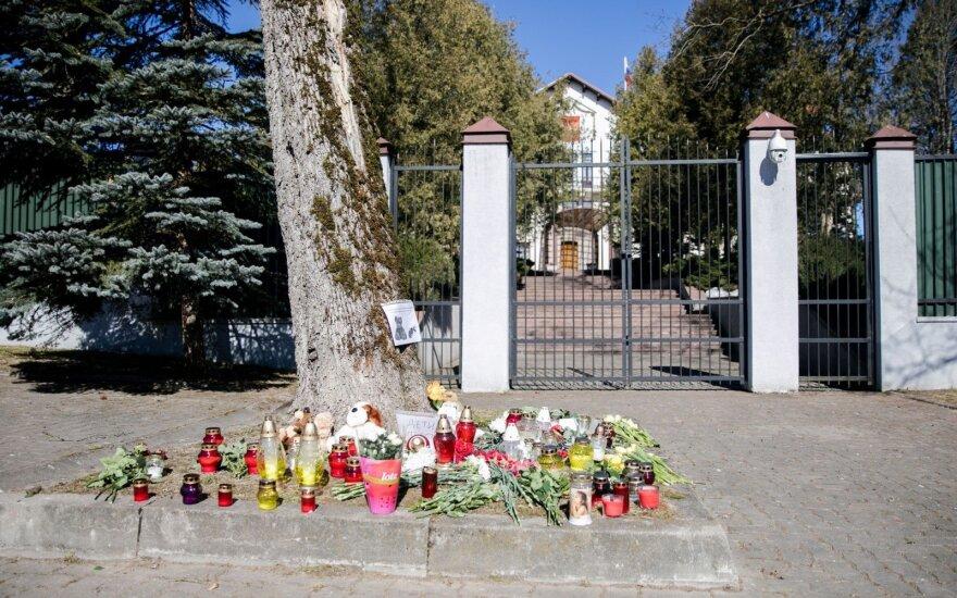 В посольстве России в Вильнюсе открыта книга соболезнований