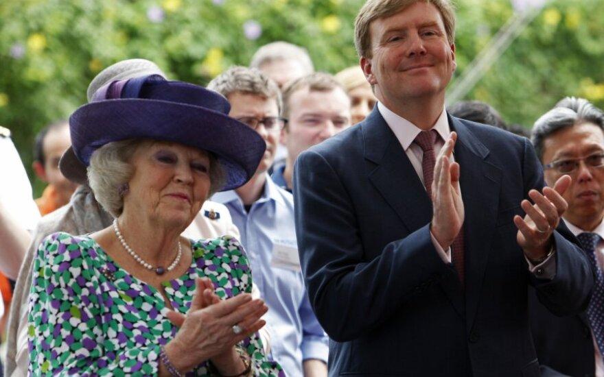Nyderlandų karalienė Beatrix su sūnumi princu Willem-Alexanderiu