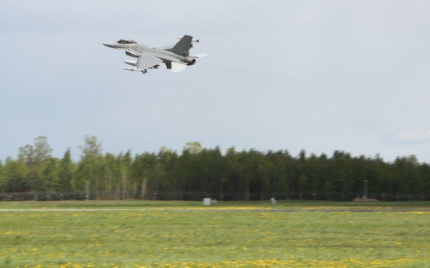 В Литве приземлились четыре датских истребителя
