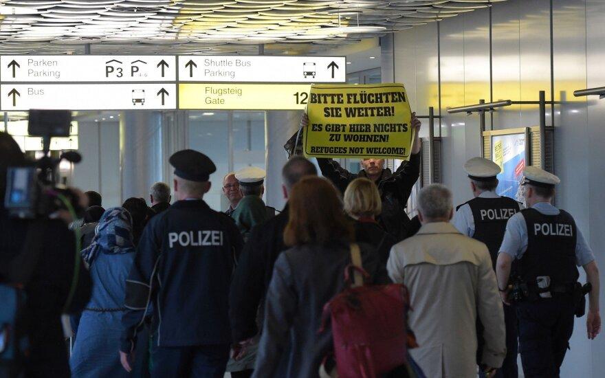 Число соискателей статуса беженца в Германии снизилось втрое
