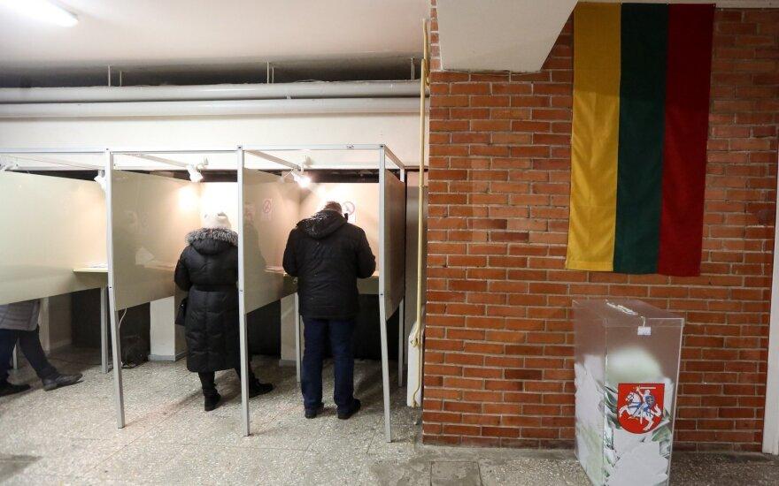 В самоуправлениях Литвы продолжается досрочное голосование 2-ого тура выборов мэров