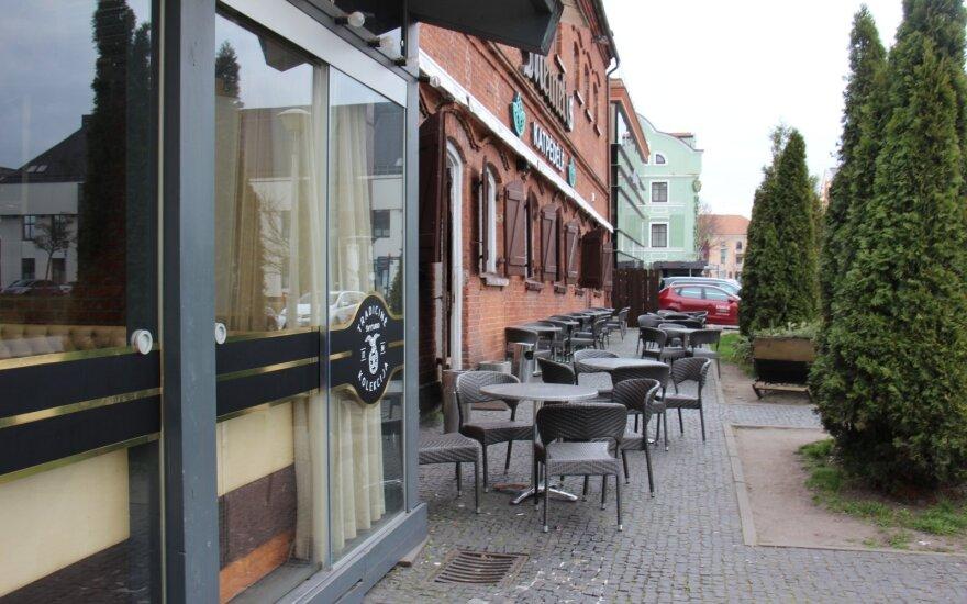 Правила для посетителей уличных кафе в Литве: за столиком не больше двух человек