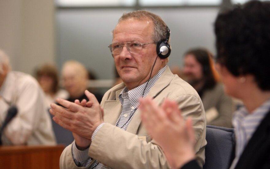 Литовскую премию Свободы предлагается дать польскому диссиденту Адаму Михнику