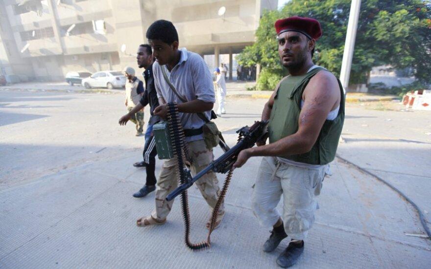 Libijos sukilėlių vadovai keliasi į Tripolį