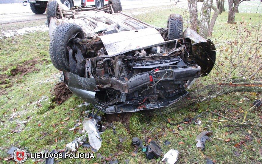 В Шакяйском районе перевернулся пьяный водитель