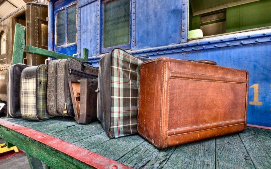 Опрос: эмигрантские настроения в России растут