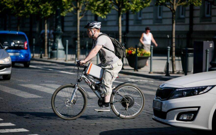 Сделан первый шаг, чтобы разрешить велосипедистам проезжать через дорогу на пешеходных переходах