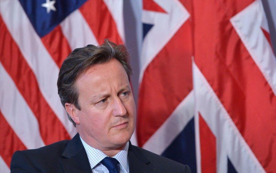 Cameron porównał emigrantów do roju insektów