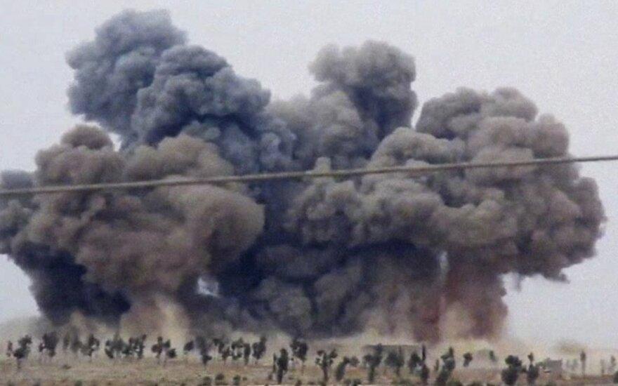 Минобороны России показало видео новых авиаударов в Сирии