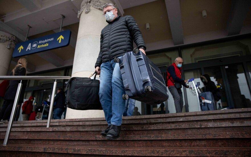 НЦОЗ: из-за коронавируса обсуждается регистрация всех прибывающих лиц еще в самолетах