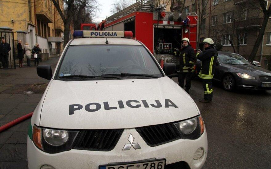 В Вильнюсе из многоэтажного дома выпал человек