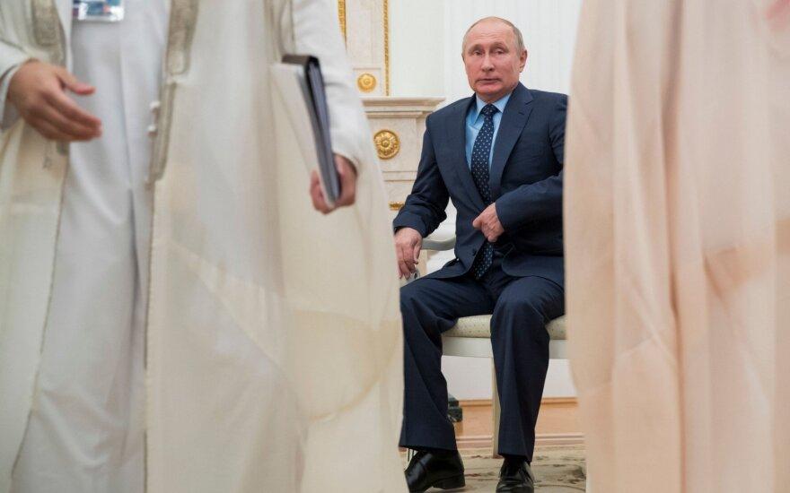 Путин рассчитывает на постепенное снятие санкций с России