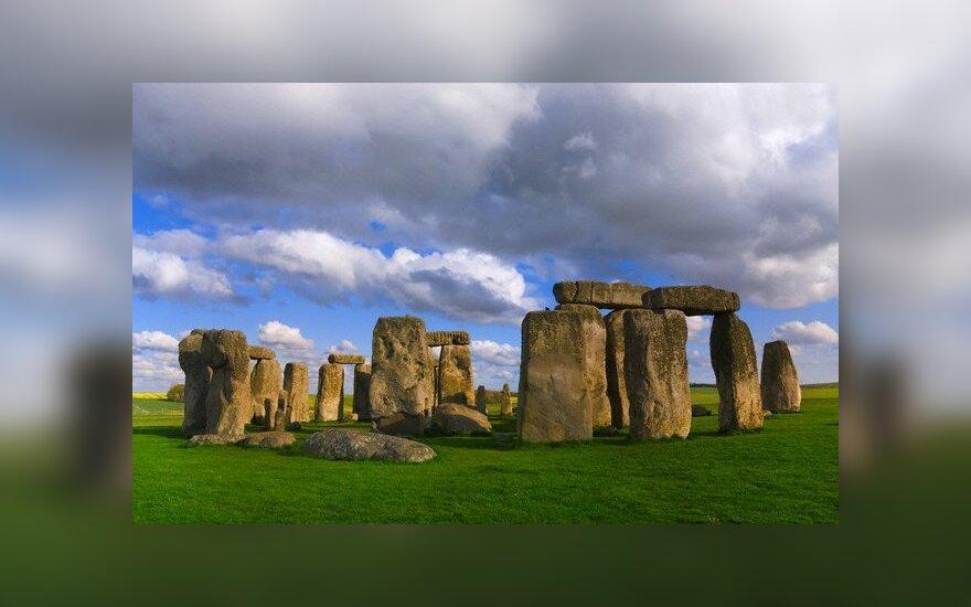 Anglia: Nowe odkrycia w Stonehenge