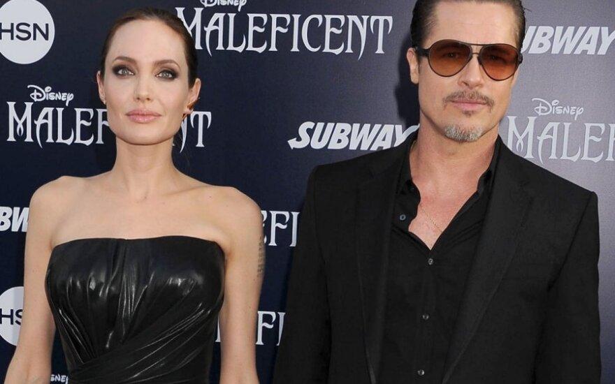 У Джоли и Питта появился седьмой ребенок