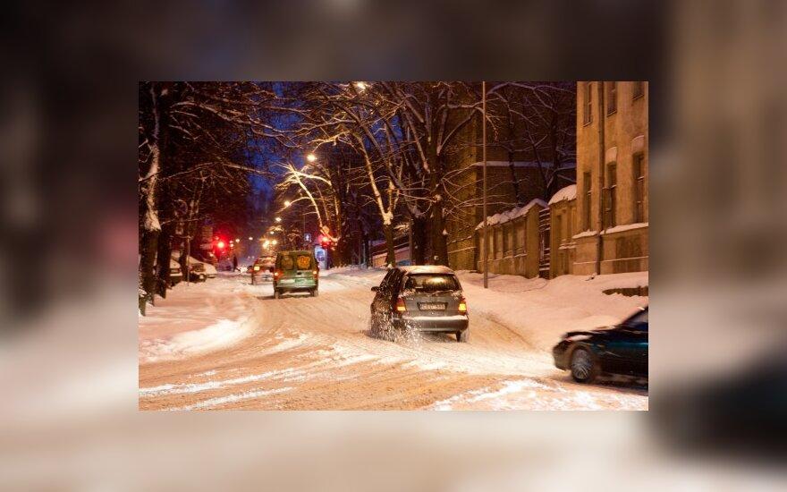 Снег идет по всей Литве, метет