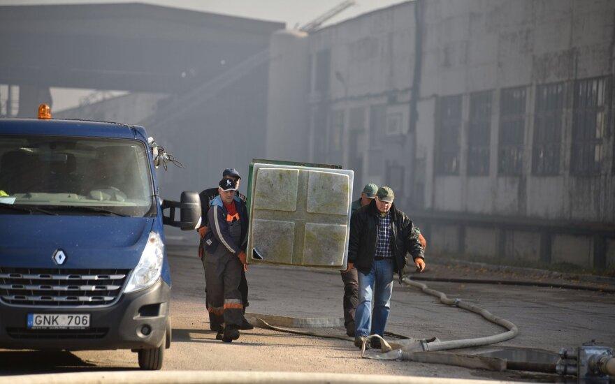 """Мэр Алитуса: службы """"проснулись"""" и преследуют компании, бесплатно кормившие пожарных"""