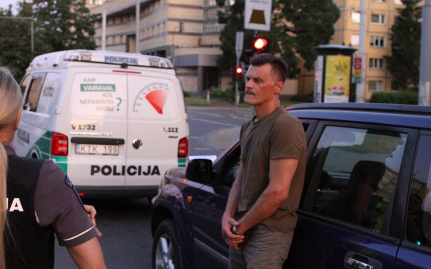 Иванова ночь в Вильнюсе: пьяный водитель вез графин бренди