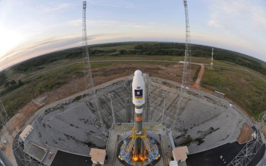 """Raketa """"Sojuz"""" su """"Galileo"""" palydovais"""
