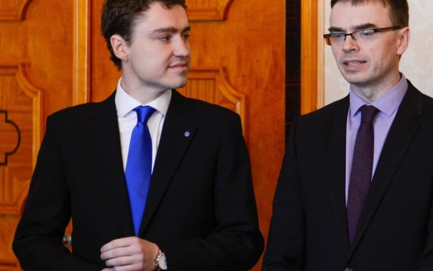 Estonian Prime Minister Taavi Roiv and Minister of Defence Sven Mikser